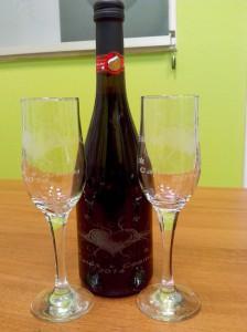 Лазерная гравировка на бутылке в день Святого Валетина