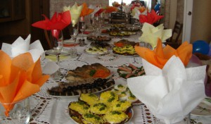 сервировка стола и салфетки
