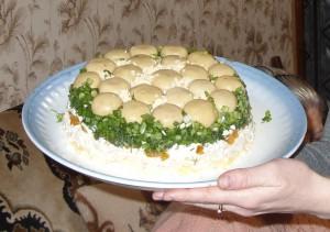Салат из шампиньонов Грибная полянка