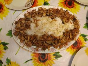 Рисовая лапша с курицей и морепродуктами
