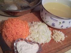 Судак, жаренный под винным соусом и рисовым гарниром