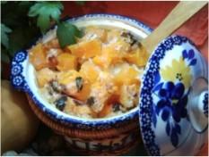 Каша молочно-рисовая с тыквой, запеченная в горшочке