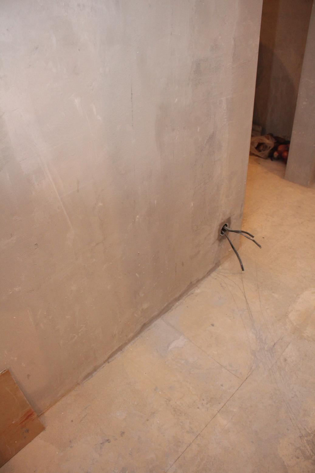 Подрозетники в коридоре