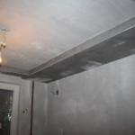 Потолок в маленькой комнате