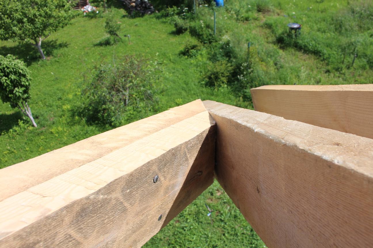 Косая стропила на многощипцовой крыше