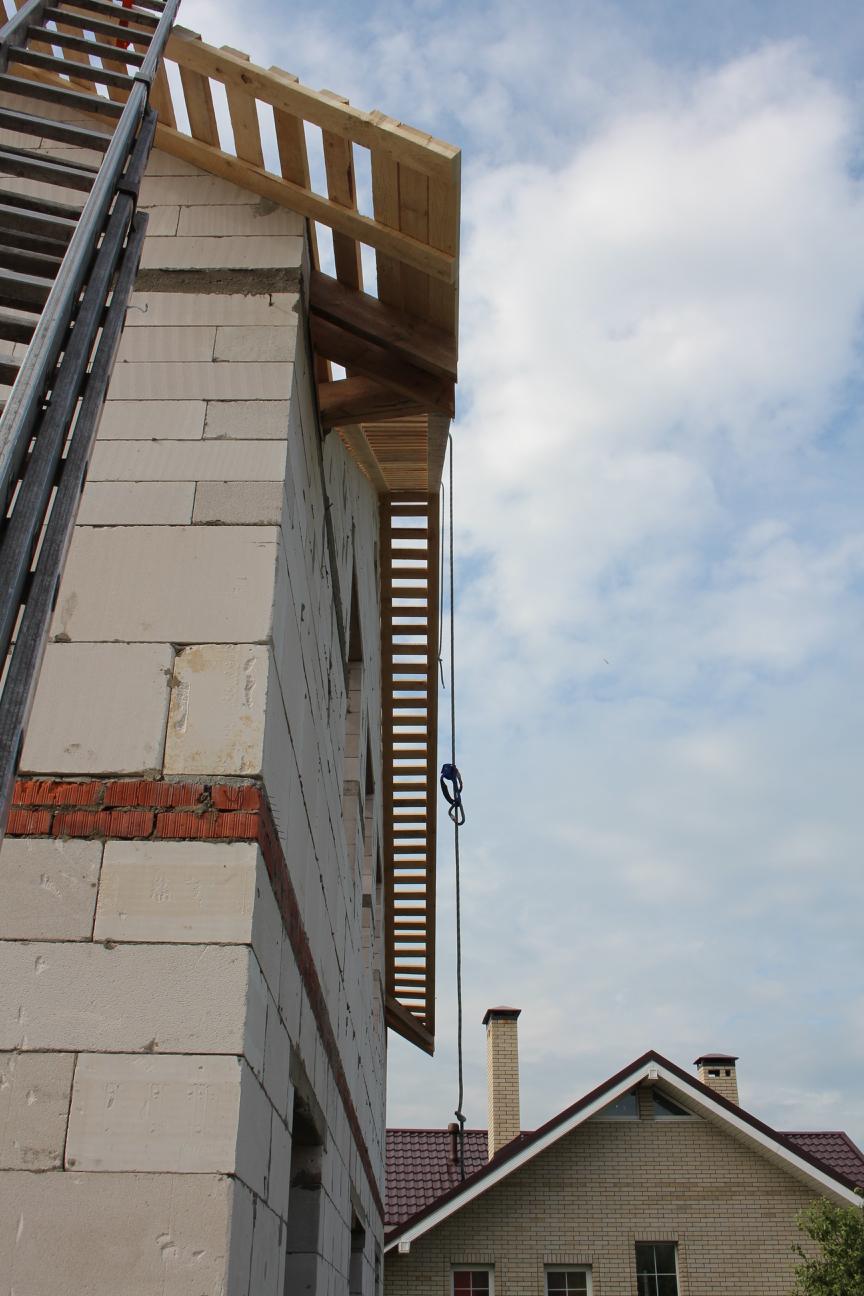 Стропильная система многощипцовой крыши - обрешетка