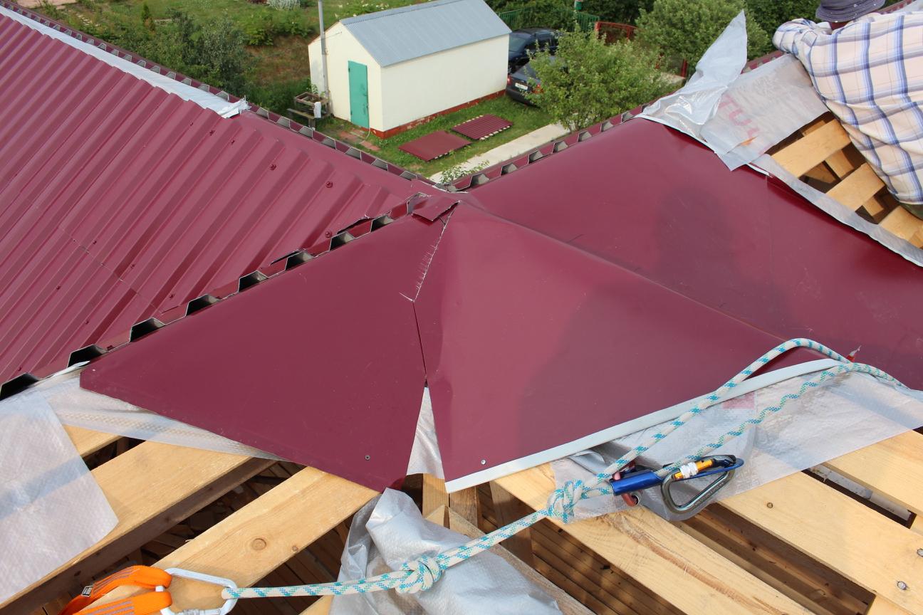 Желоб для многощипцовой крыши