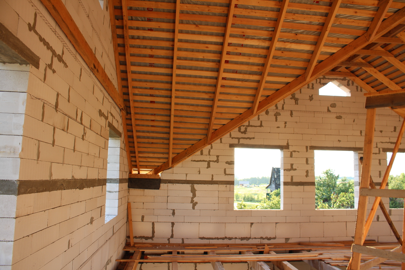 Стропильная система многощипцовой крыши