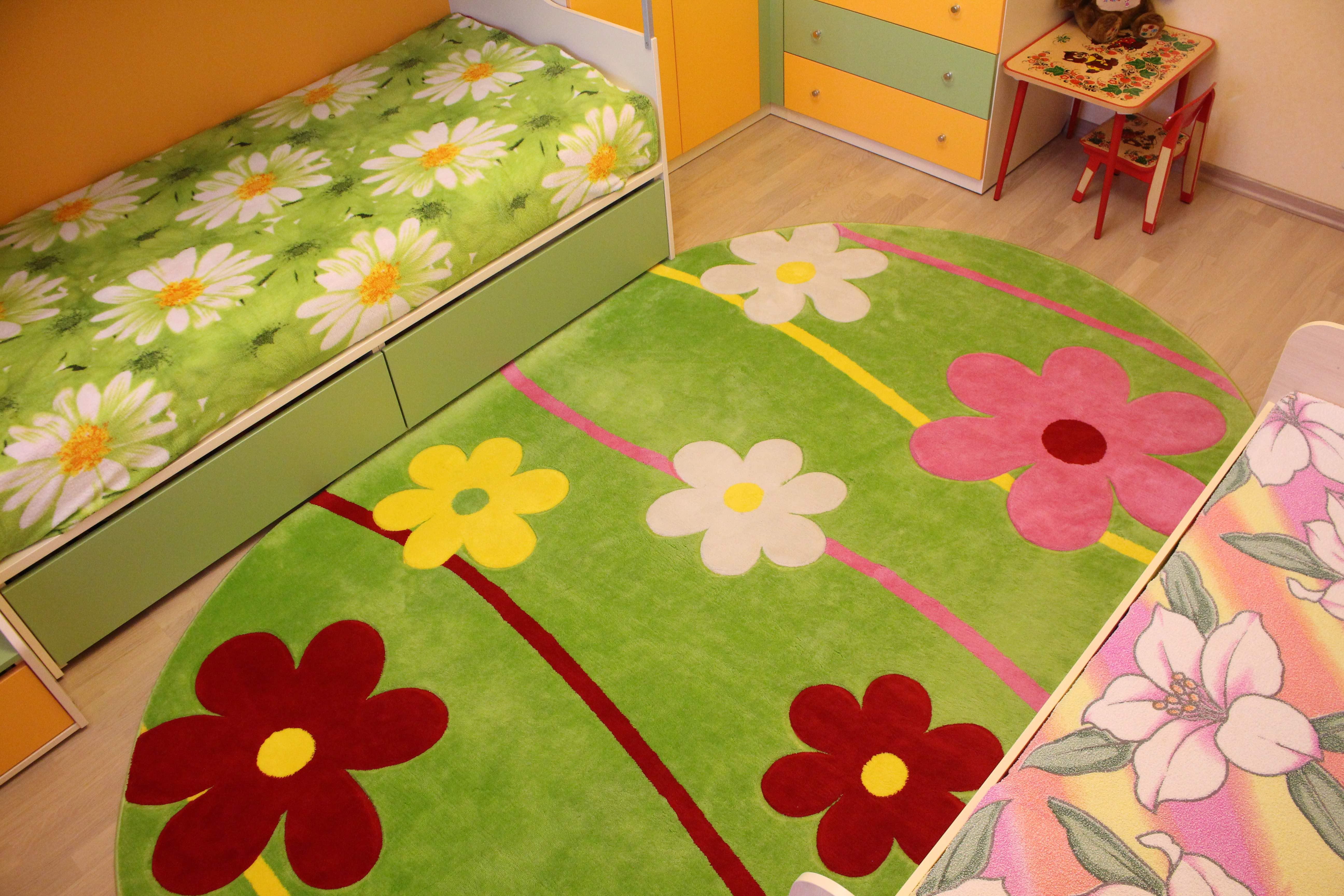 Овальный ковер с цветочками в детскую комнату турецкий Карвинг Цветной 4745A GREEN